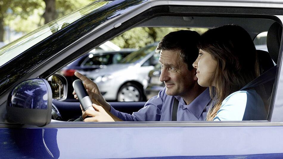 Die Führerscheinprüfung kann eine echte Stresssituation sein