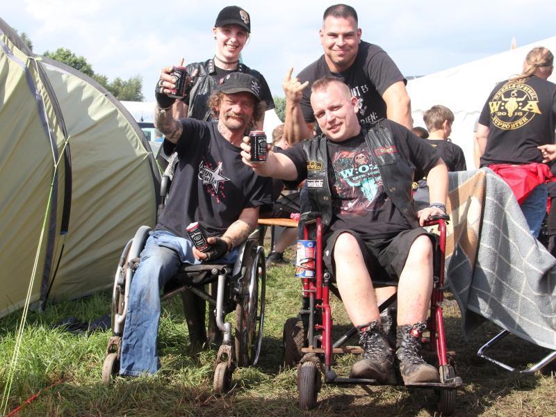 Bild zu Rollstuhlfahrer beim Wacken Open Air