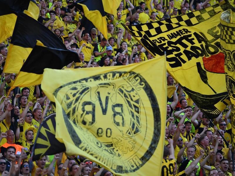 Bild zu BVB-Fans