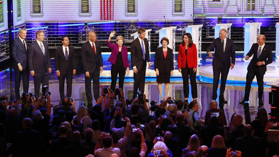 Wahlkampf in den USA - TV-Debatte der Demokraten