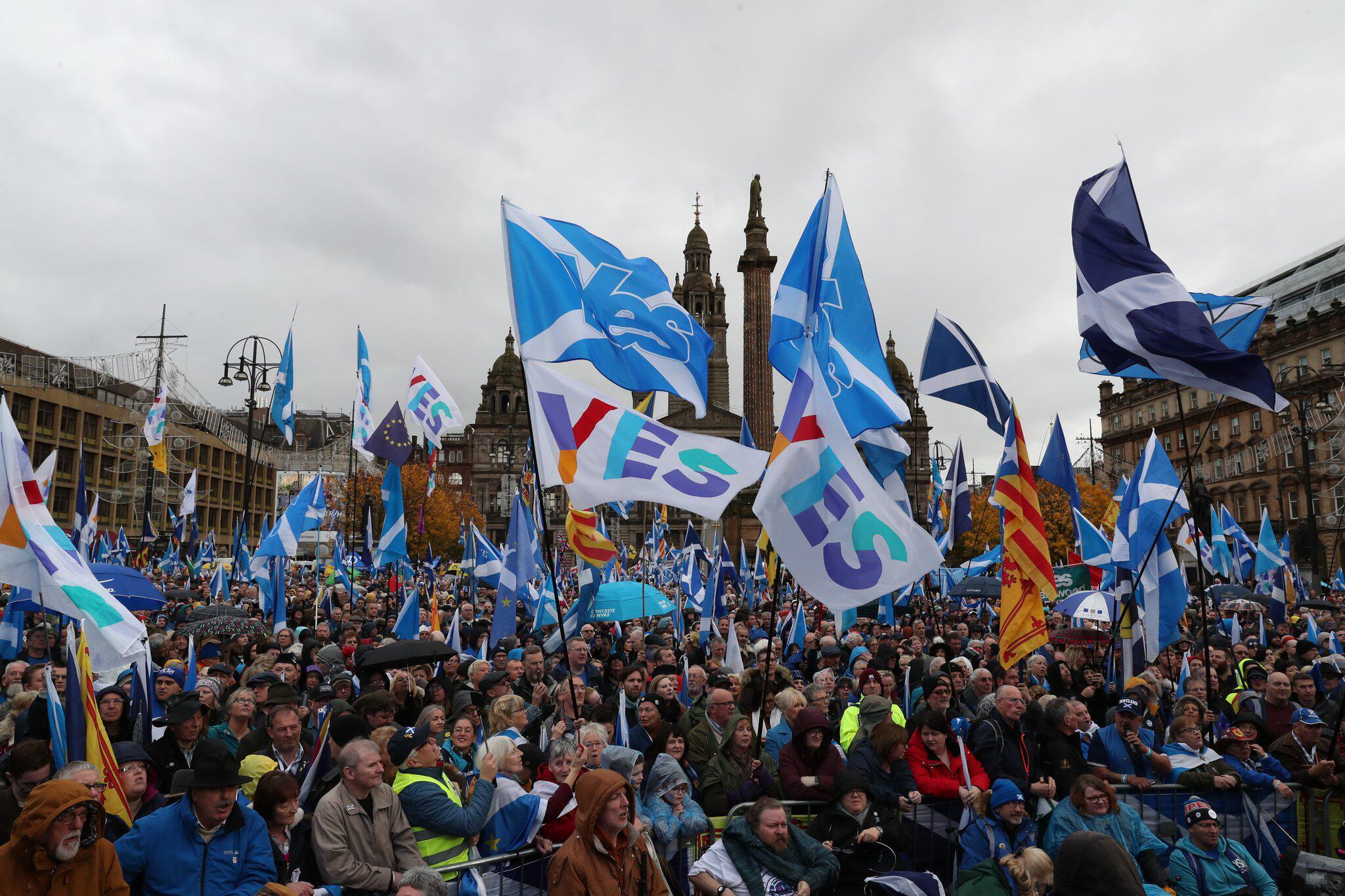 Demonstrationen - Tausende demonstrieren in Schottland für Unabhängigkeit