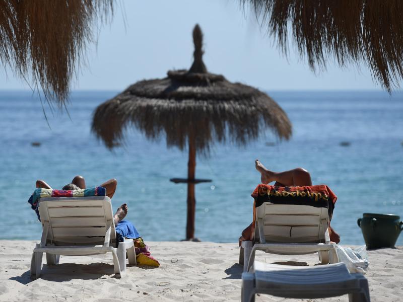 Bild zu Urlauber in Tunesien