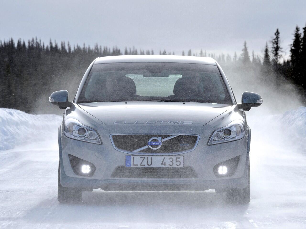 Bild zu Elektroautos im Winter: Was leisten ihre Batterien bei Kälte?