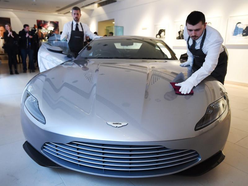 Bild zu Bond-Versteigerung