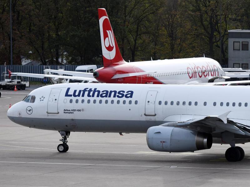 Bild zu Maschinen von Lufthansa und Air Berlin
