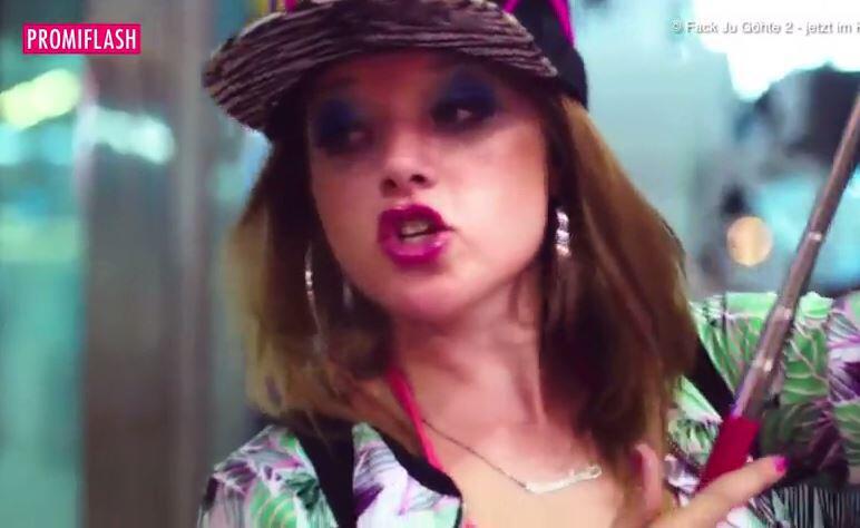 Bild zu Keine prollige Tussi mehr: Das ist Jella Haases neue Kino-Rolle