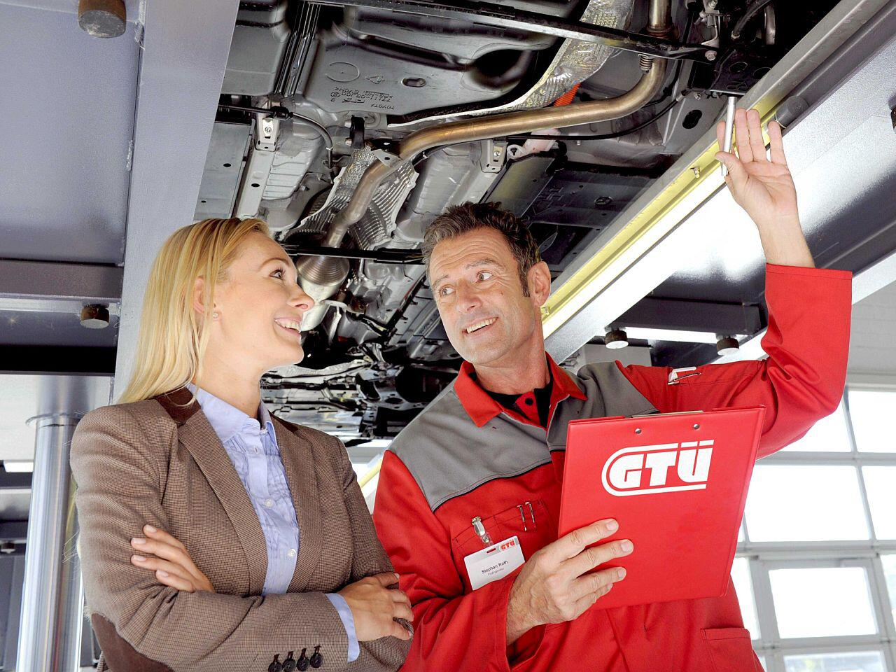 Bild zu Sie sollten Ihren Pkw gründlich auf die TÜV-Prüfung vorbereiten