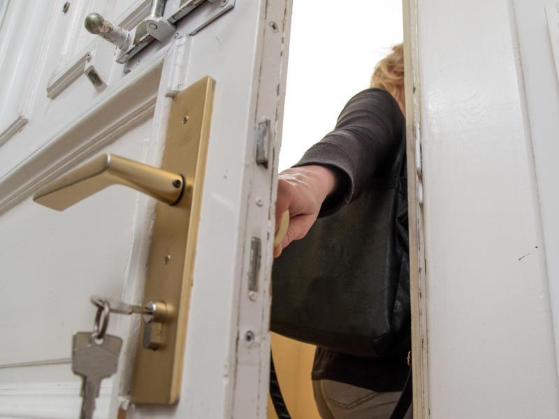 Bild zu Türöffnung mit Schlüsseldienst