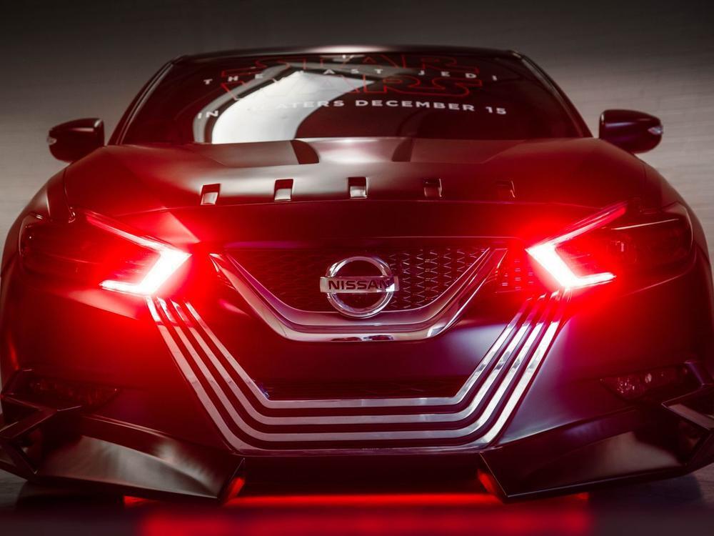 "Bild zu Nissan Maxima ""Kylo Ren"""