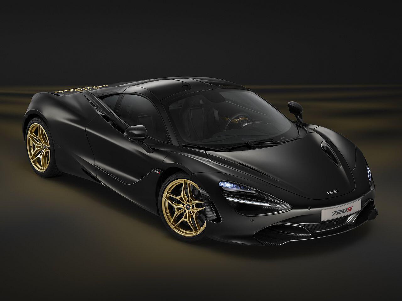 Bild zu McLaren 720S in Satin Black und Gold