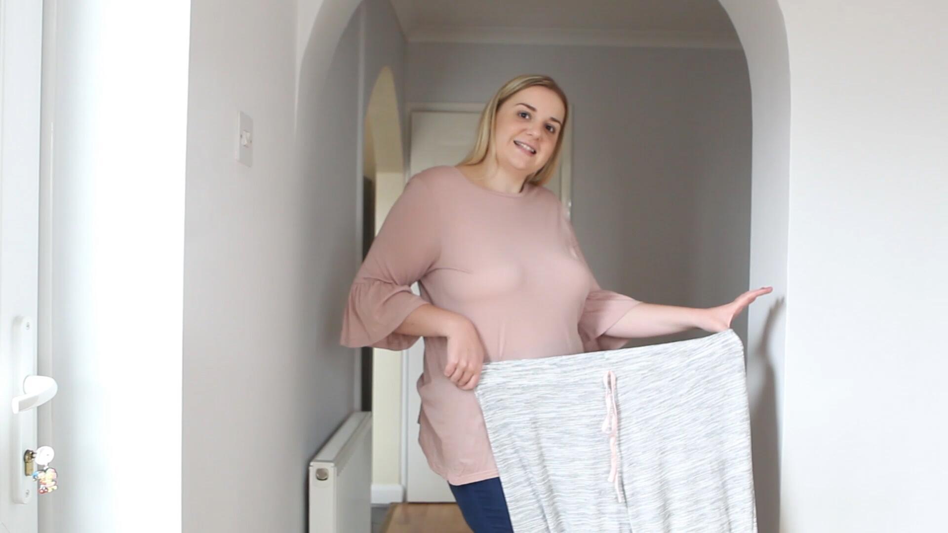 Bild zu Zu dick für Facebook: 20-Jährige speckt 37 Kilo ab
