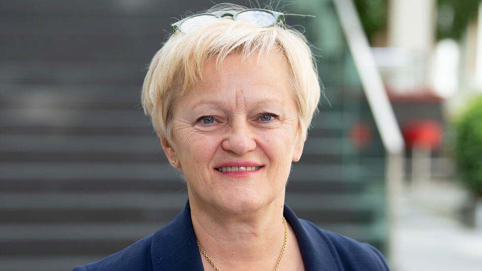 Renate Künast, HateAid