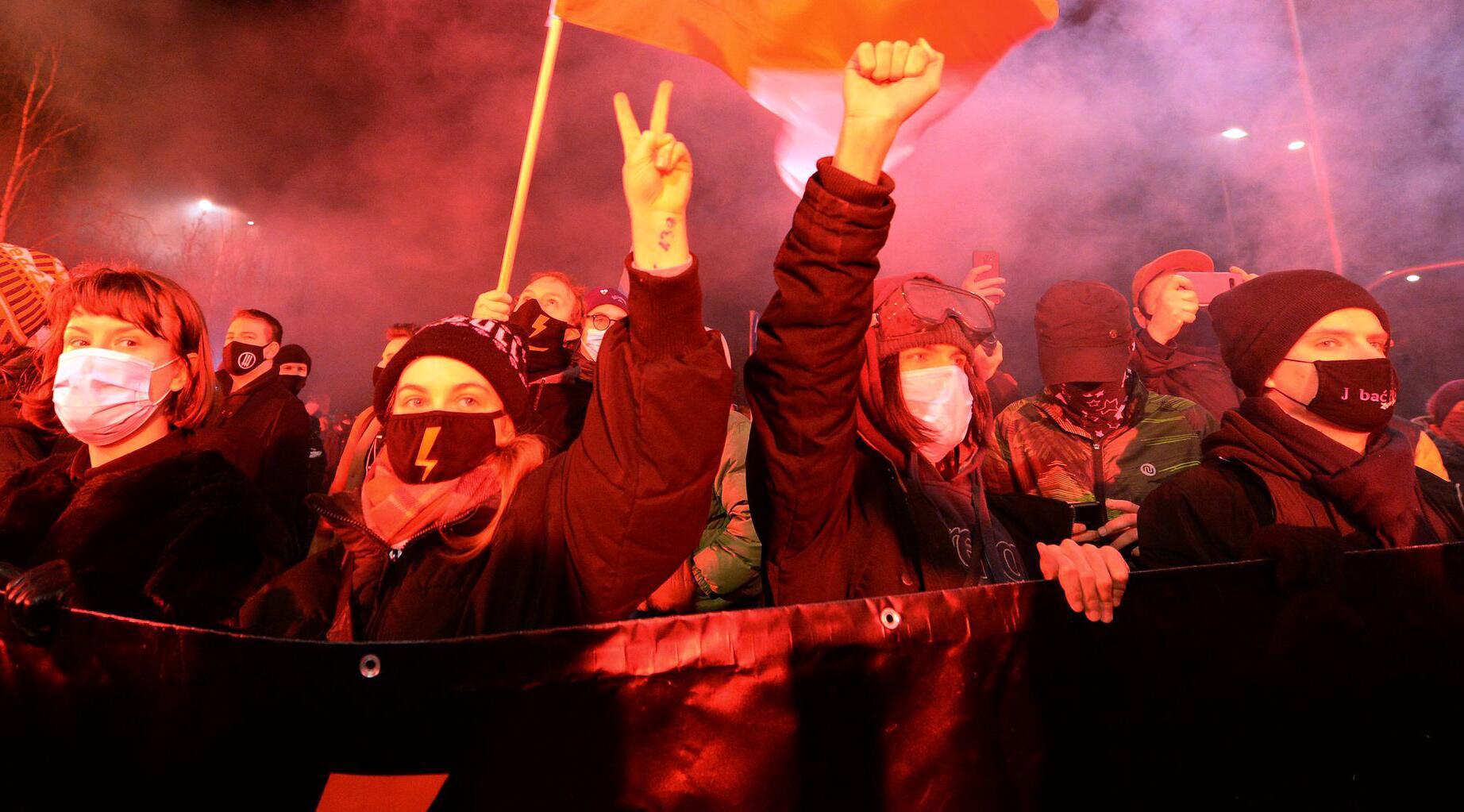 Bild zu Proteste gegen verschärftes Abtreibungsrecht in Polen