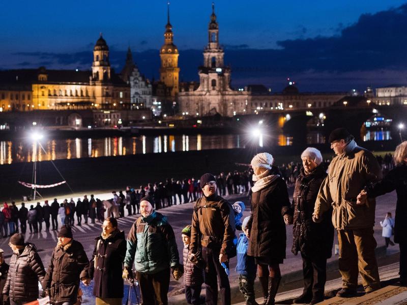 Bild zu 73. Jahrestag der Zerstörung Dresdens