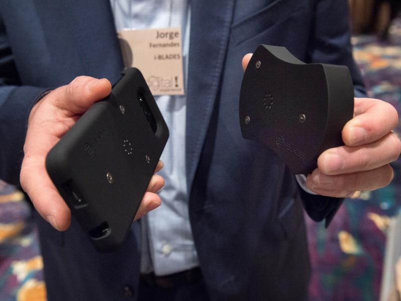 Bild zu i-Blades-Hülle für Smartphones