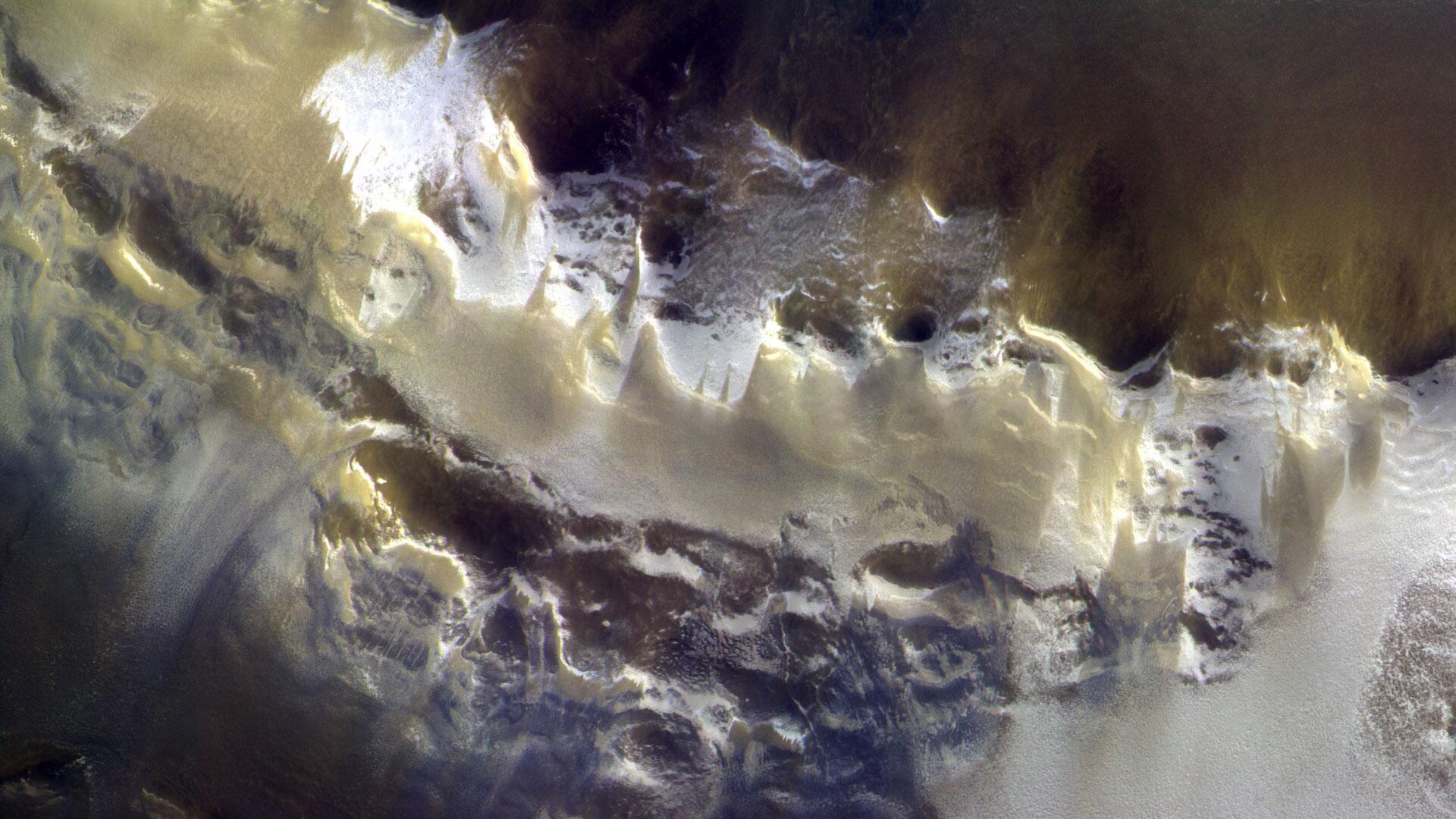 Bild zu Korolev-Einschlagkrater