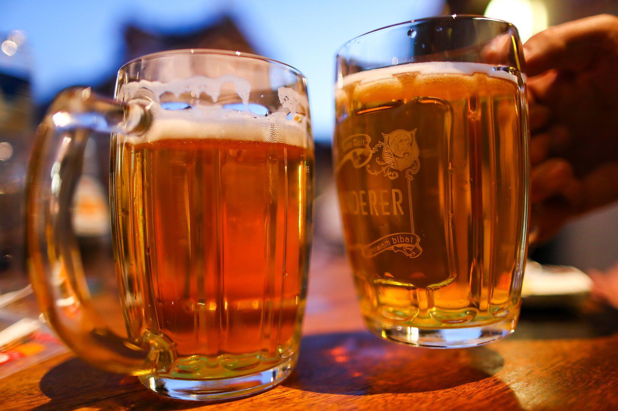 Bild zu Bier bei sommerlichen Temperaturen