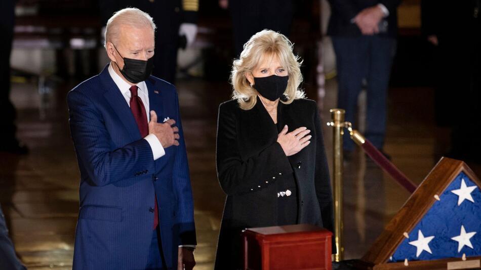 Gedenken an verstorbenen Polizisten im Kapitol