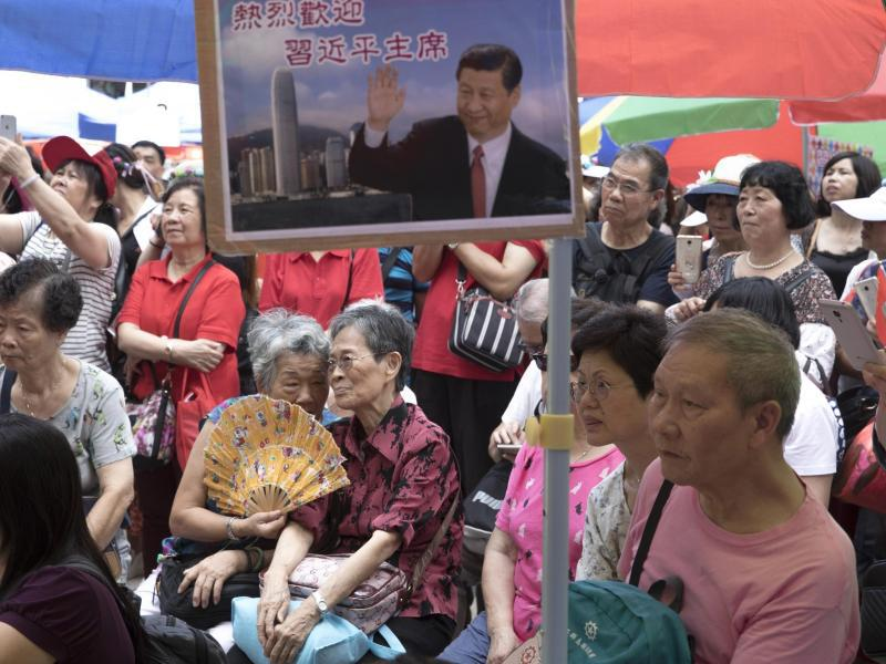 Bild zu Pro-China-Demonstranten