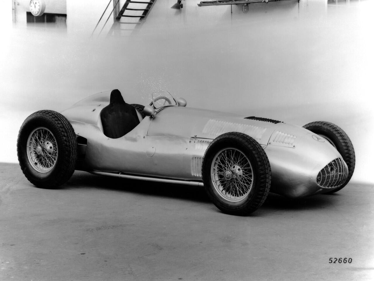 Bild zu Mercedes-Benz W 165 von 1939