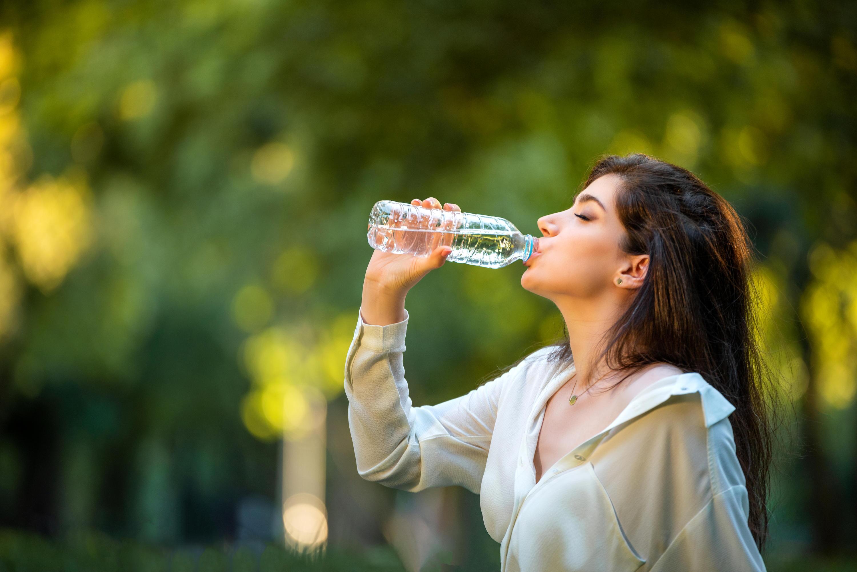 Bild zu destilliertes Wasser