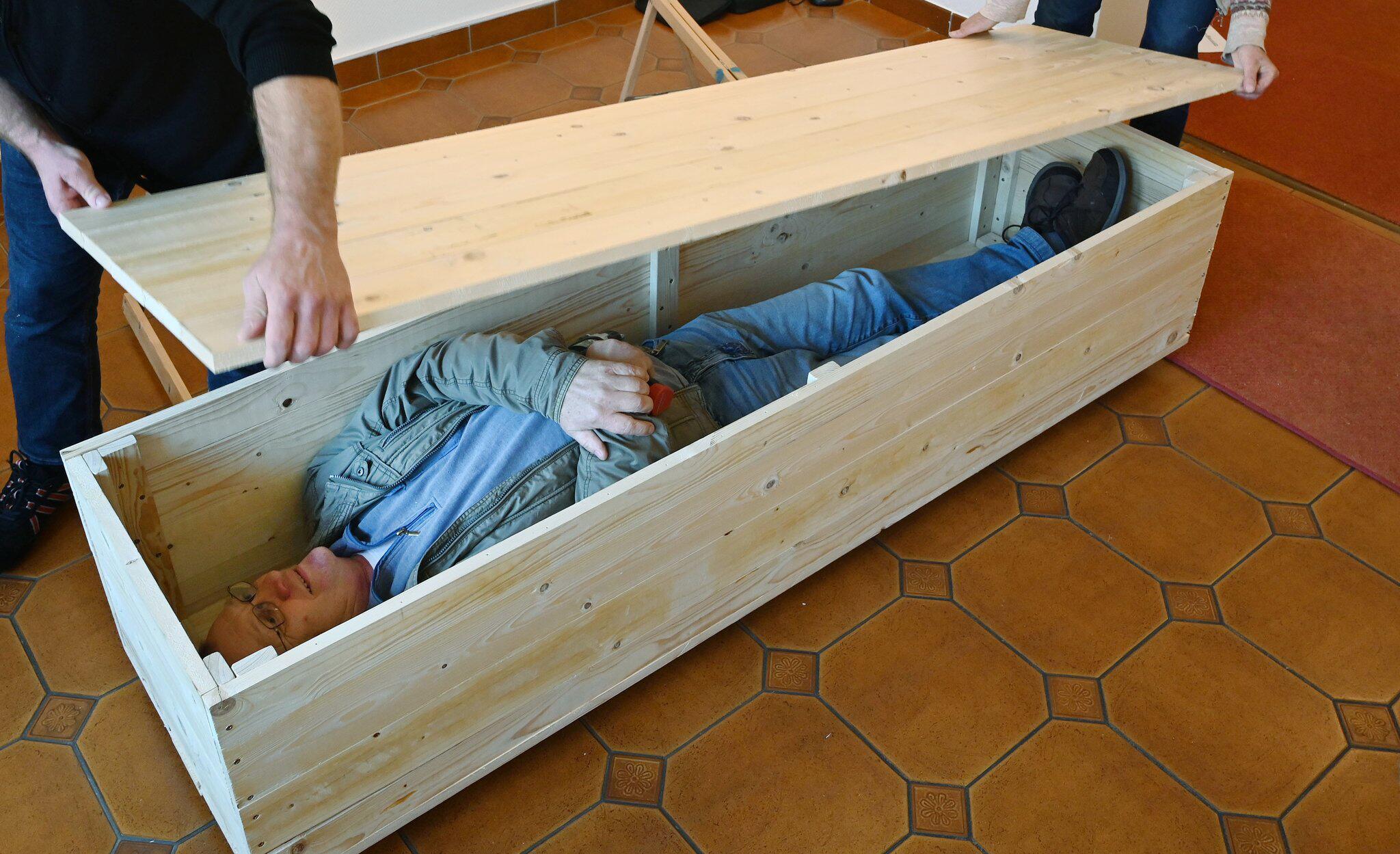 Bild zu Sargbau Workshop