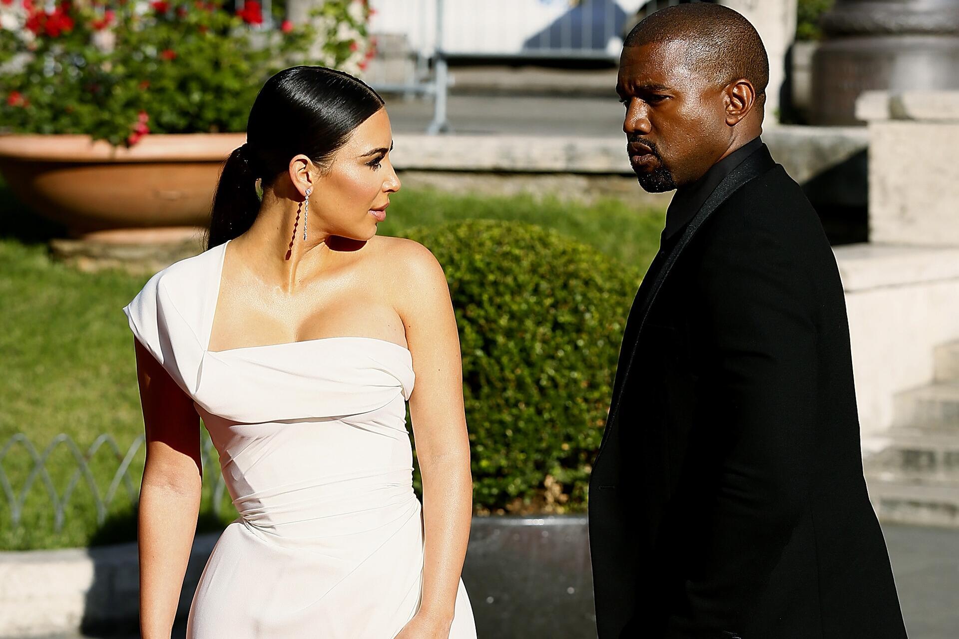 Bild zu Kim Kardashian, Kanye West, Selfies,
