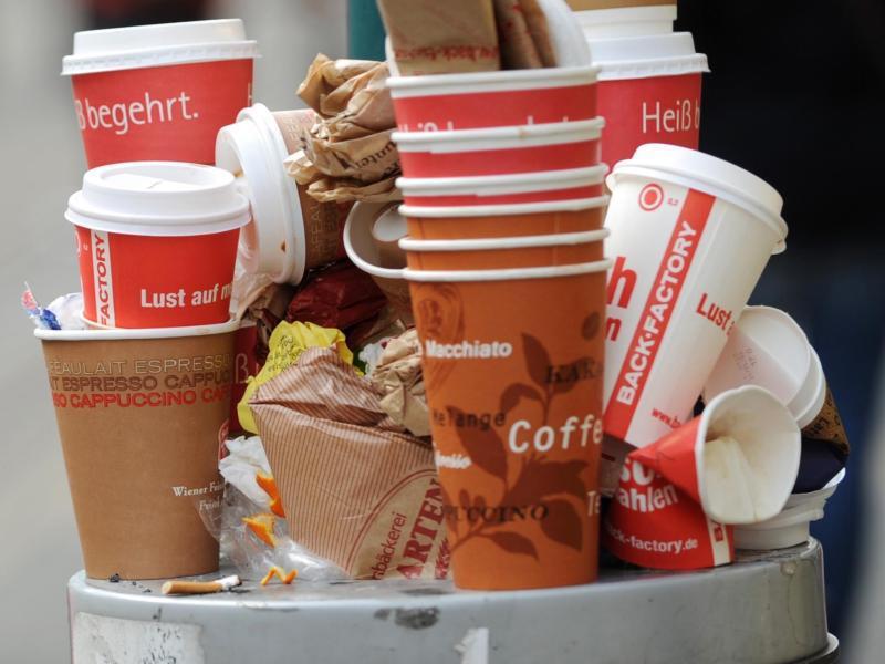 Bild zu Einweg-Kaffeebecher
