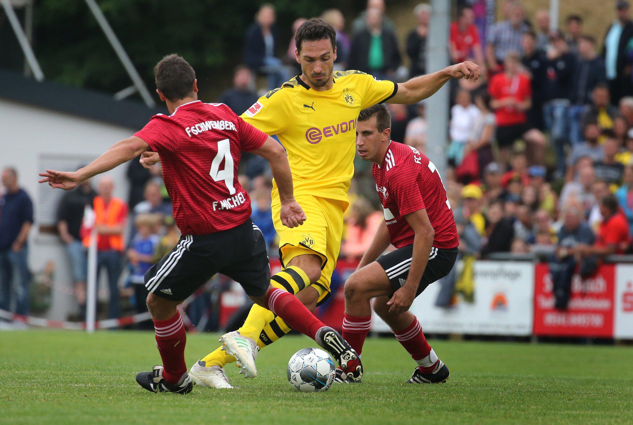 Bild zu FC Schweinberg - Borussia Dortmund