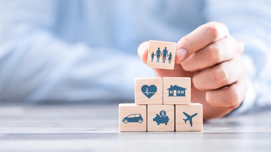versicherung, versicherung verwalten, app, finanzen, versicherungen online verwalten