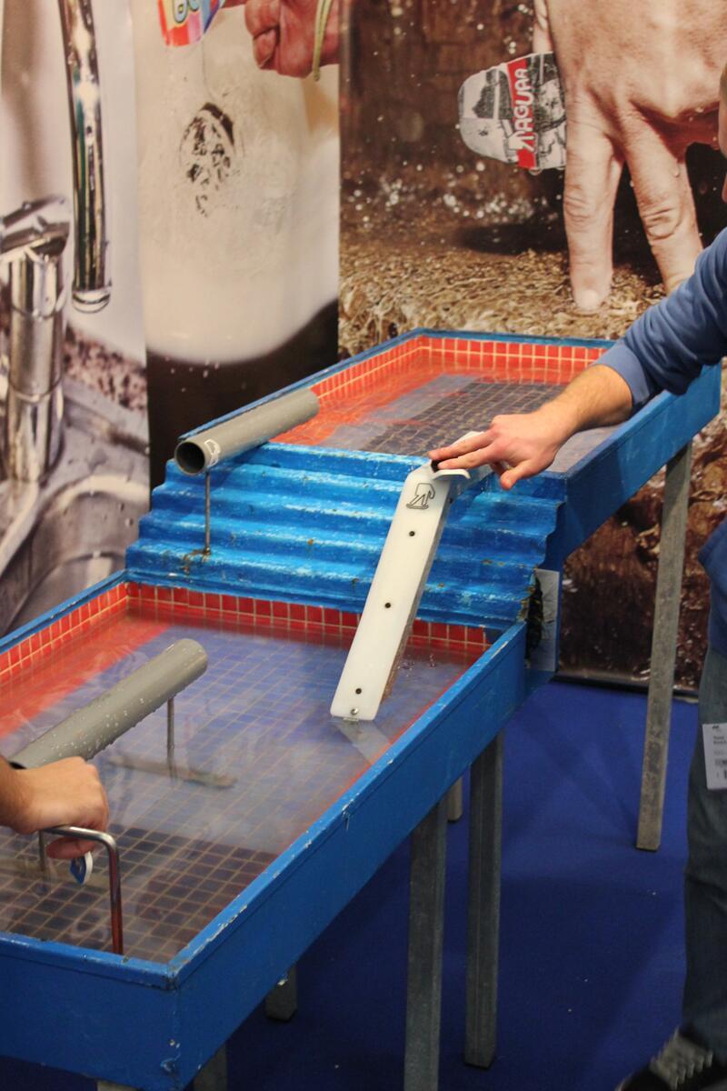 Bild zu Wasser-Fingerboard: Parkour in Eigenbau