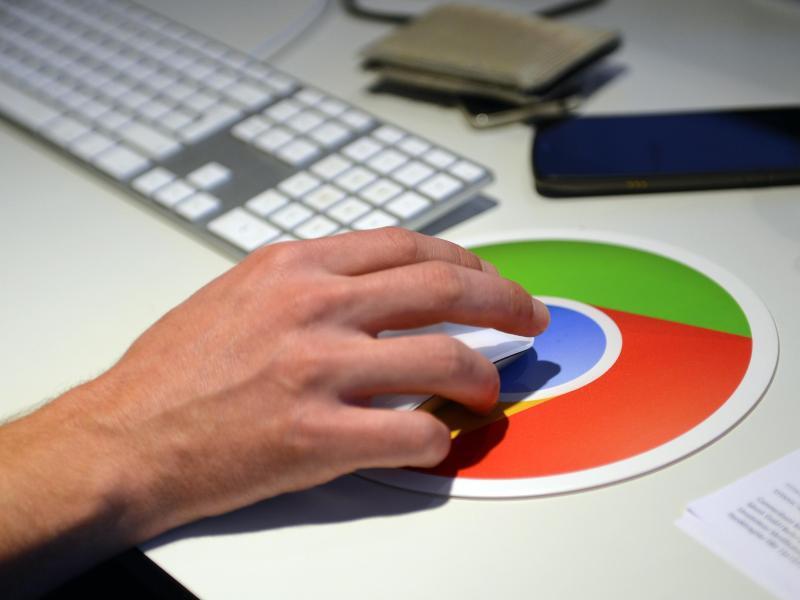 Bild zu Google-Logo auf dem Mousepad