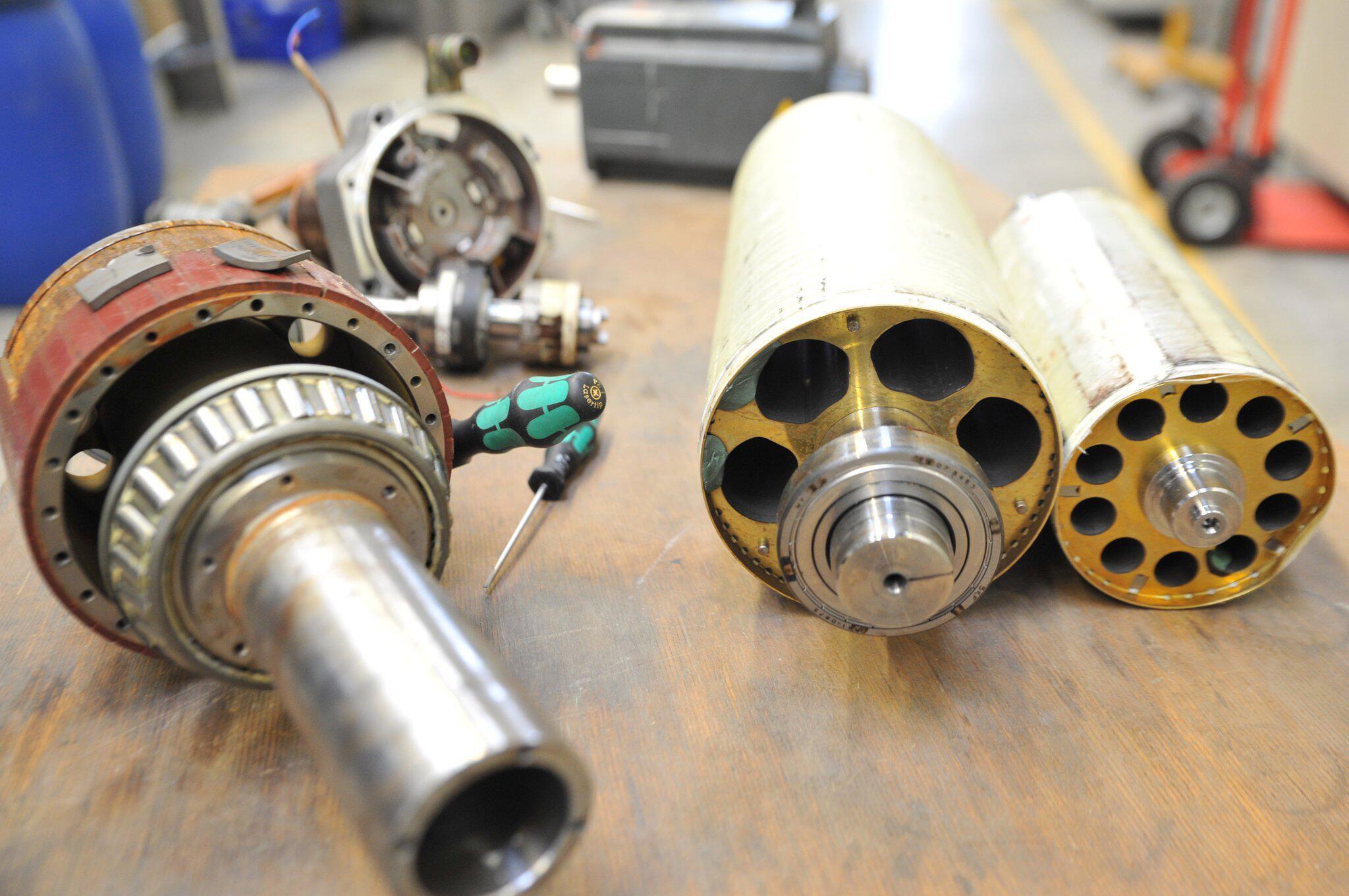 Bild zu Herausbauen von Neodym-Eisen-Bor-Magneten aus Synchronmotoren