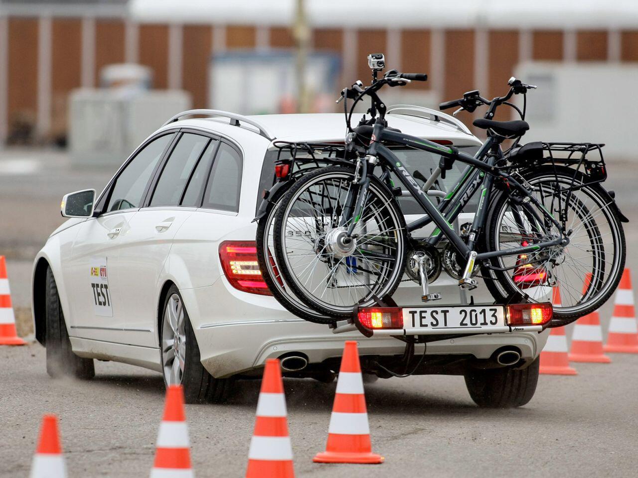 Bild zu Mit Fahrrädern auf Tour: Sicherheit sollte immer vorgehen