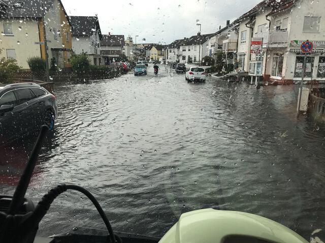 Bild zu Bayern, Karlstein, Regen, Überschwemmungen, Aschaffenburg