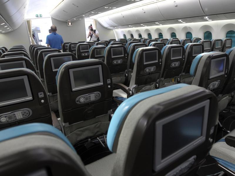Bild zu Flugzeugkabine mit Sitzen
