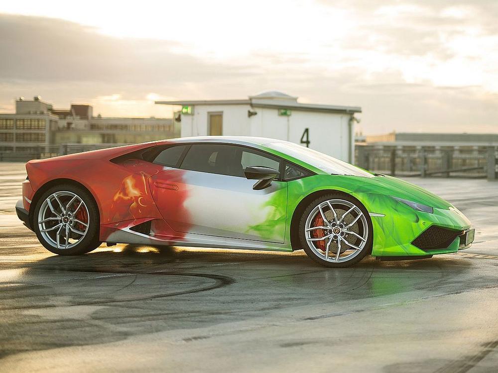Bild zu Farbenfroher Supersportwagen: Der Lamborghini Huracán von Print Tech