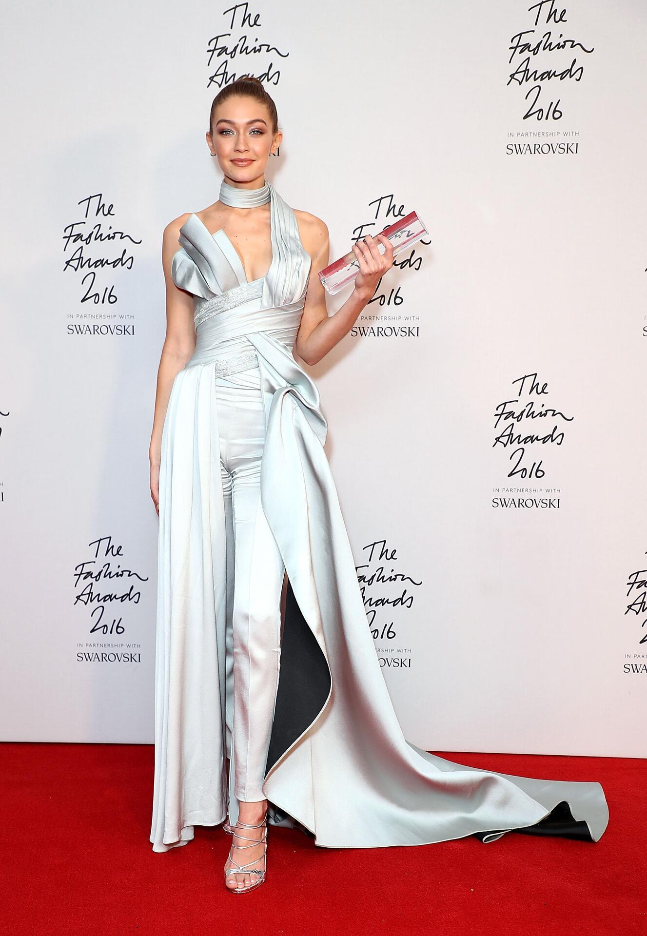 Bild zu Gigi Hadid, Style, Fashion Awards, Kleid,