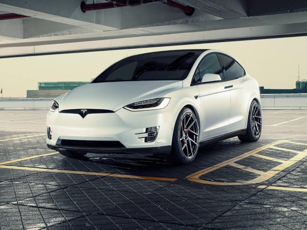 Bild zu Tesla Model X von Novitec
