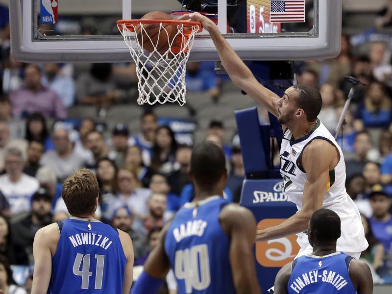 Bild zu Dallas Mavericks - Utah Jazz