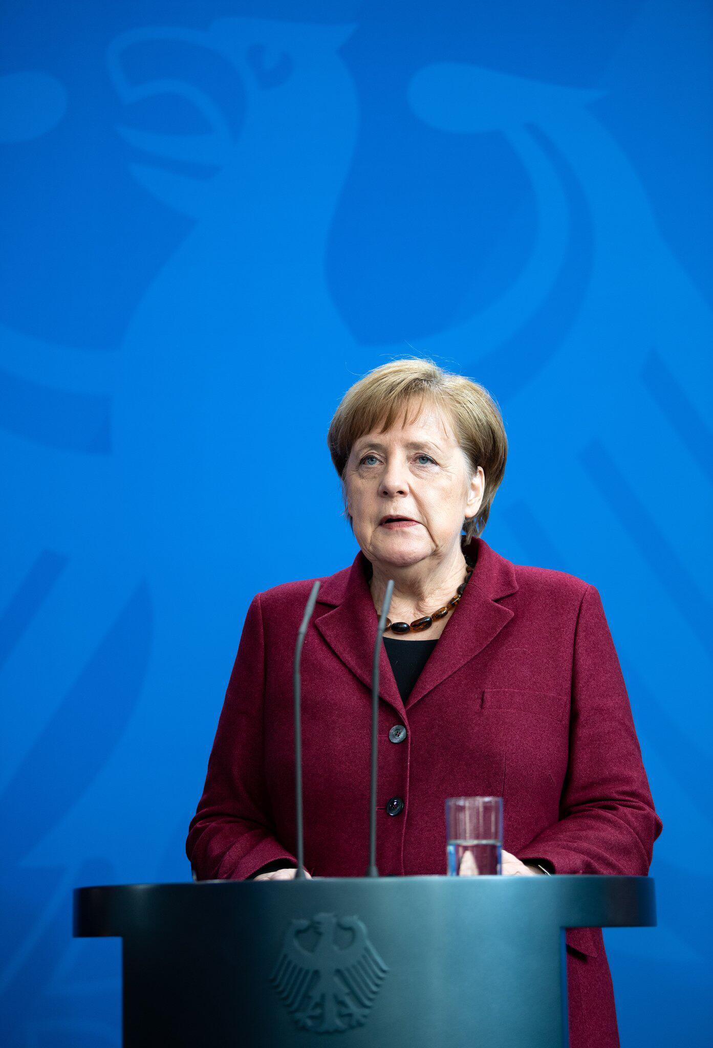 Bild zu Kirgisischer Präsident Dscheenbekow besucht Deutschland