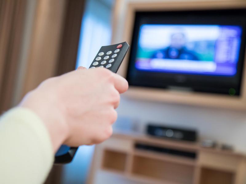 Bild zu Vor dem Fernseher
