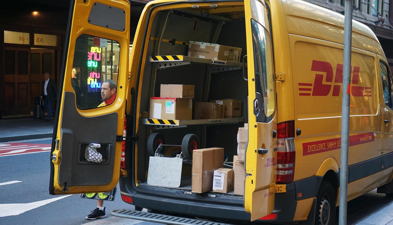 Bild zu Wenn ein DHL-Paket verloren geht, wer haftet dann?