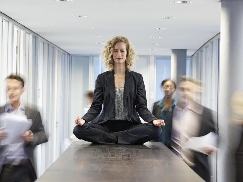 Bild zu Meditationsübung am Arbeitsplatz
