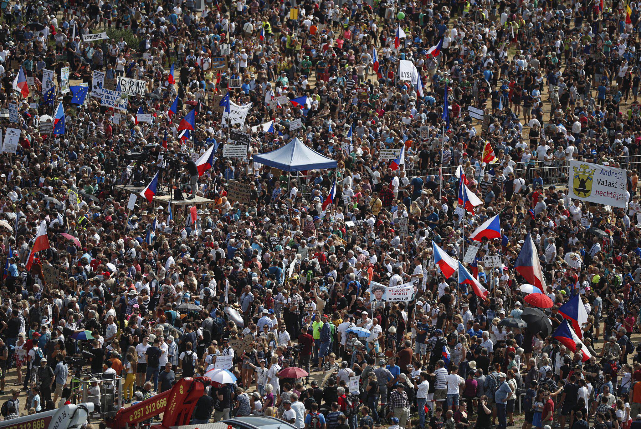 Bild zu Protestzug gegen Tschechische Regierung