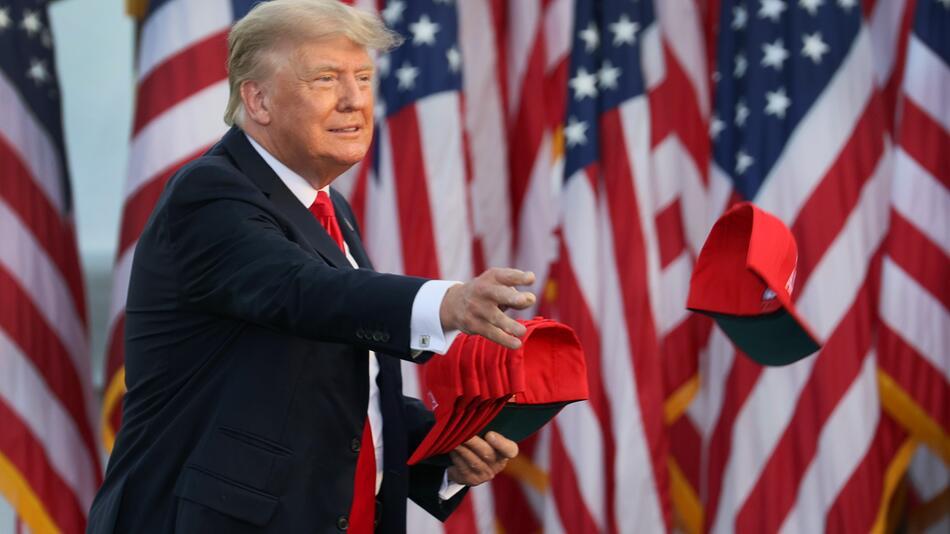 Donald Trump ist zurück auf großer Bühne - und aggressiv wie eh und je.