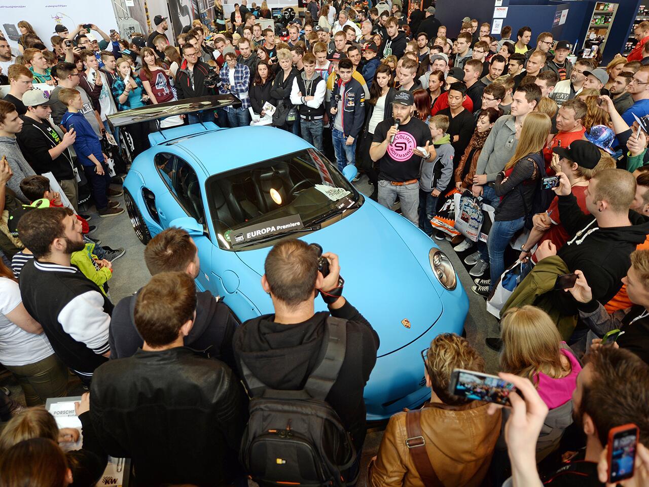 Bild zu TV-Star und sein Traum-Porsche