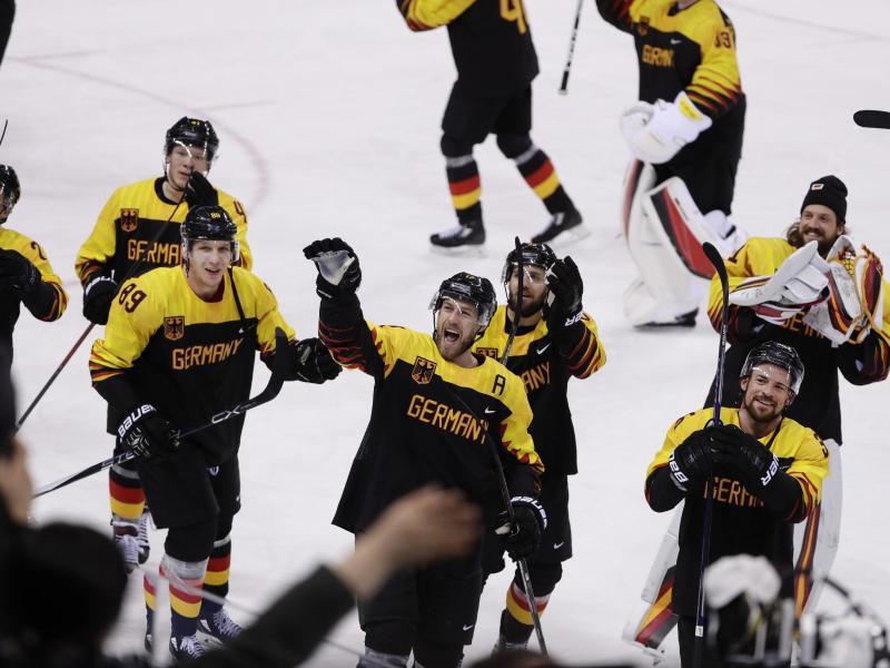 Bild zu Eishockey-Cracks
