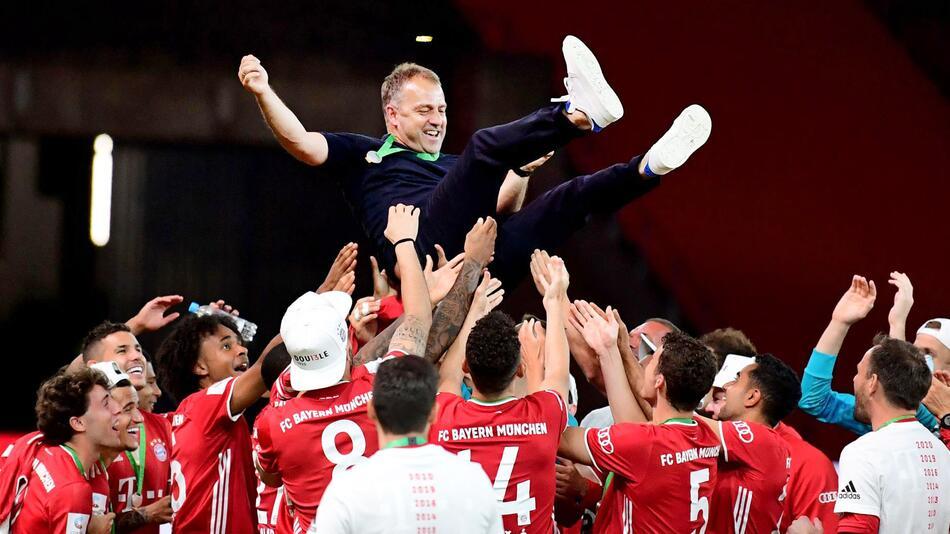 Bayern-Coach Flick von der UEFAalsTrainer des Jahres geehrt