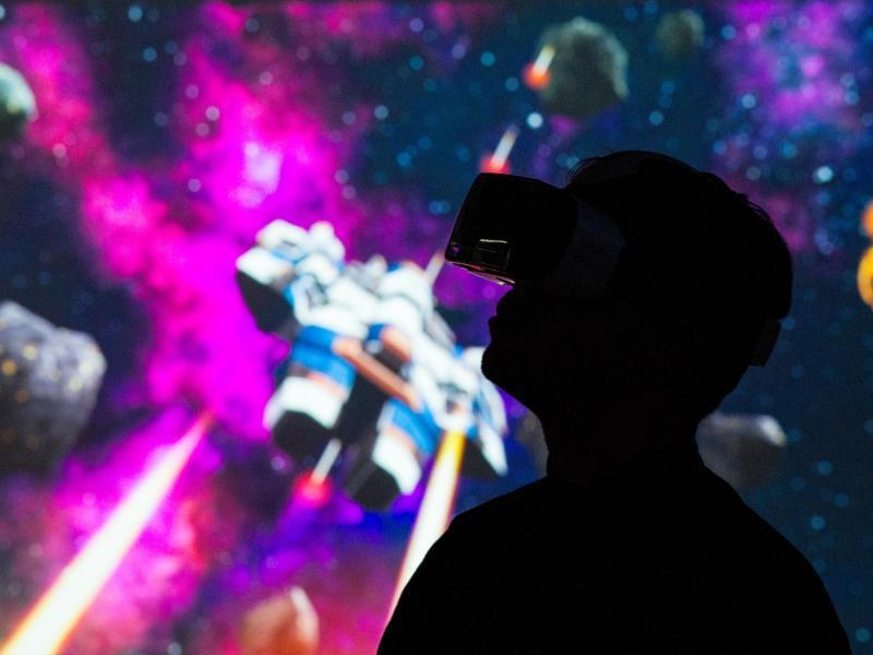Bild zu In virtuelle Welten reisen